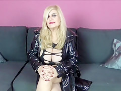 SPANISH MATURE MILF PORNSTAR WITH BIG TITS PRESENTATION