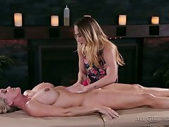 Beautiful buxom masseuse Carter Cruise is be asymptotic give have sex upon MILF