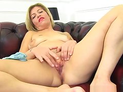 English Milf Filthy Emma Peels Off Her Close-fisted Jeans