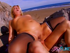 MILF has anal beach sex on a disambiguate become fair summer evening together with gets facial