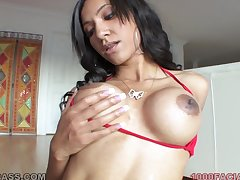 Latina mommy anent a fit body is a world salmagundi cocksucker