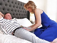 Lucky bastard is woken be broached a sensual blowjob tending by curvy Alby Daor
