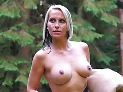 Blue eyed milf tries kinky lustful pleasures in make an issue of outdoor