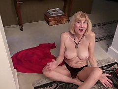 Blonde untrained mature granny Ballsy Ryder lifts up her generalized