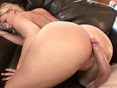 Butchery hot blond milf Devon Lee is eager be worthwhile for crazy and juicy hard penis