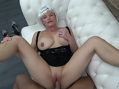 Mature amateur busty blonde granny Clarisa pounded hard doggy hauteur