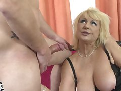 Kinky babe Regina T makes out with a friend while he fucks her