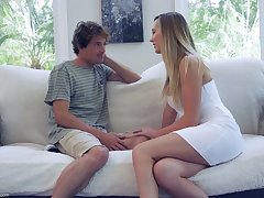 Sex-starved housewife Brett Rossi seduces 19 yo delivery boy coupled with rides his cock