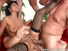 Tera Rapture is motivation her horny friends during a wild threesome