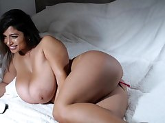 Big bbw latin fingering will not hear of cunt hard of the show